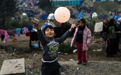 Des vacanciers volontaires viennent en aide aux migrants
